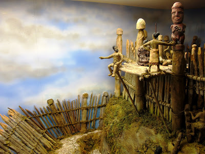 Diorama showing a lookout at Turuturu Mokai pa.