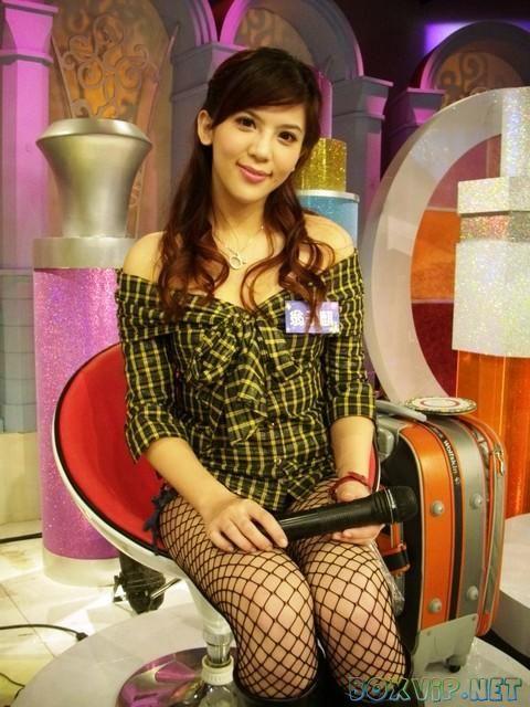 Taiwan Beautiful News Anchor Angel Weng Zi Qi - I am an