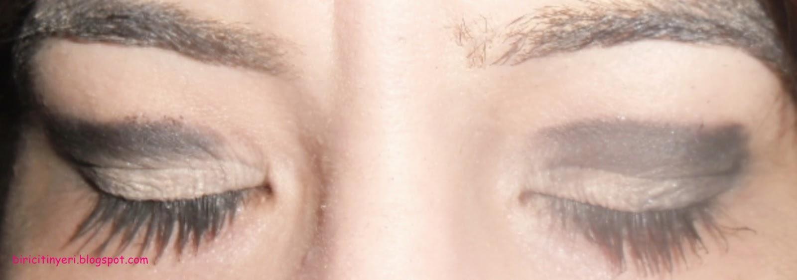 Koyu Göz Makyajı ve Gece Makyajı Fikirleri