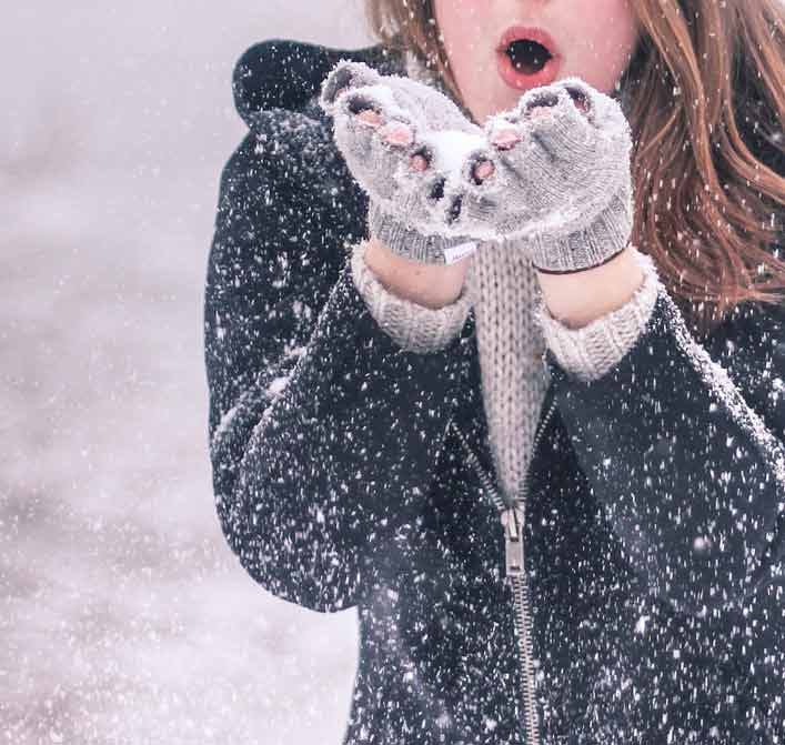 girl hiding face in snow dp for whatsapp