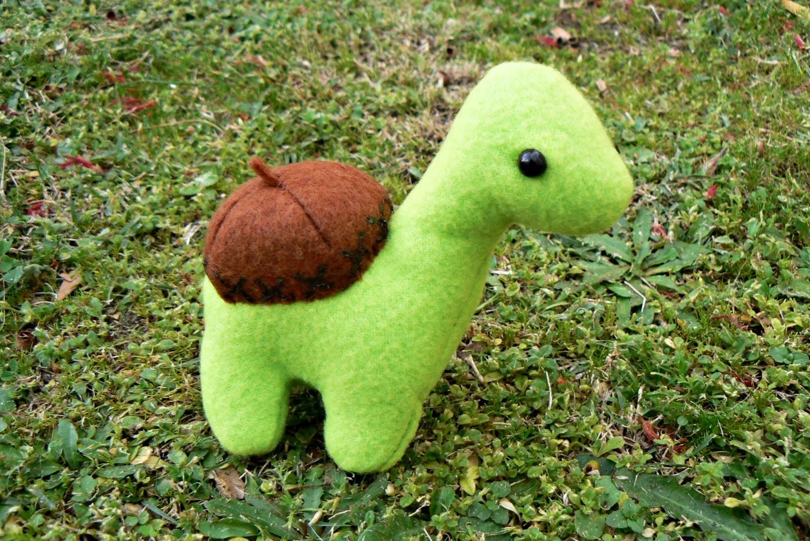 LDP: Sheldon the Dinosaur Plush DIY