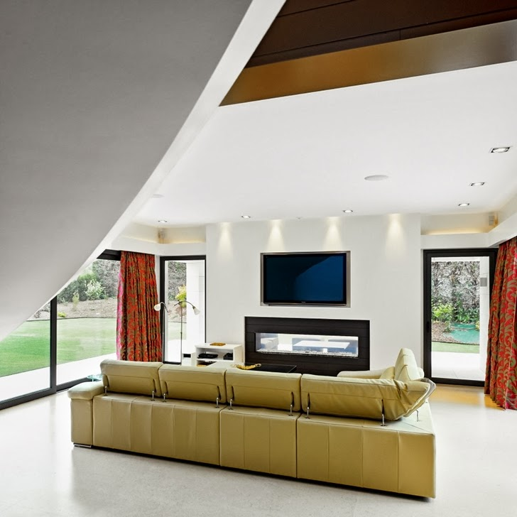 Small living room furniture in Modern home by Foraster Arquitectos