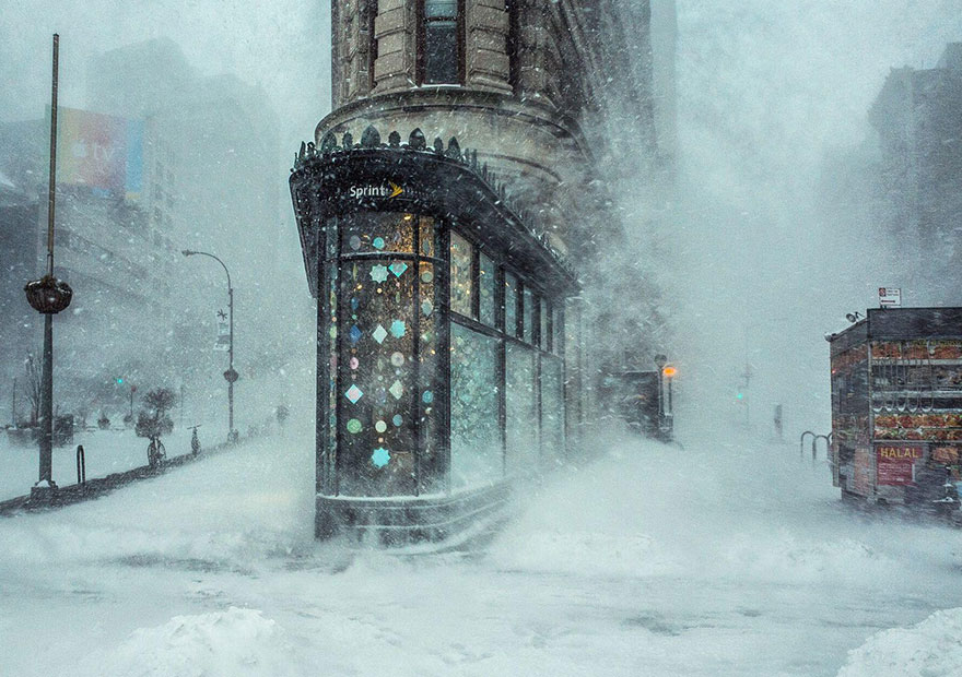 These Are The 35 Best Pictures Of 2016 National Geographic Traveler Photo Contest - Jonas Blizzard And The Flatiron Building, New York, United States