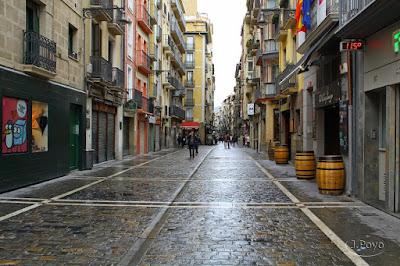 Resultado de imagen de calle estafeta pamplona