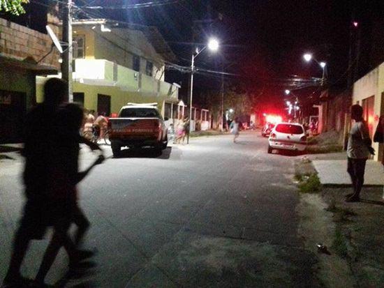 um-morto-e-tres-baleados-no-bairro-Itaoca-em-Fortaleza