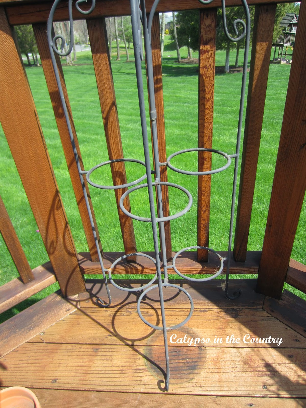 Plant Stand - Helpful Tips for Container Gardening