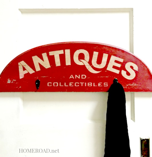 Stenciled Antiques and Collectibles Sign  www.homeroad.net