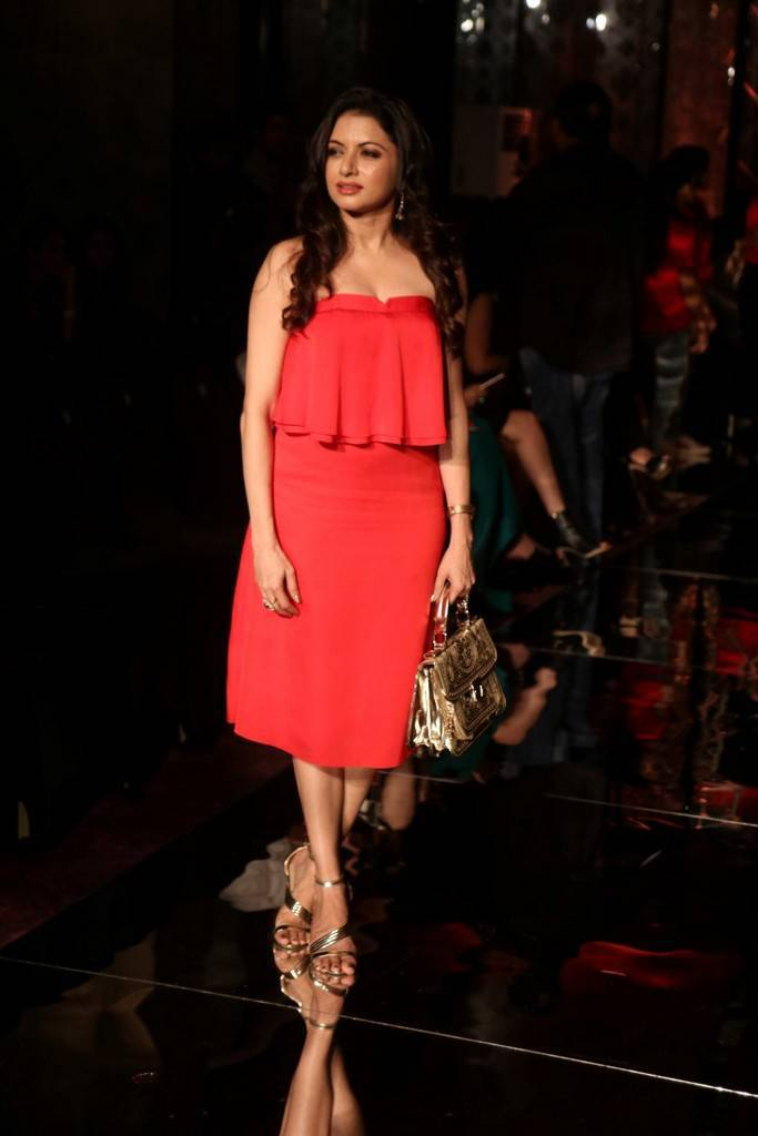 Bhumika Chawla Ramp Walk At Lakme Fashion Week-LFW 2017 Stills