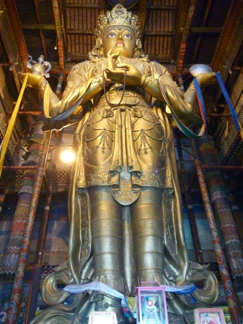 Imagen de Buda en el Monasterio de Gandan