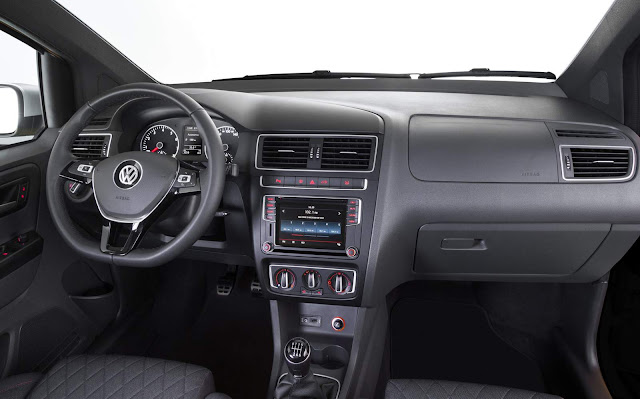 Novo VW CrossFox 2016 - interior