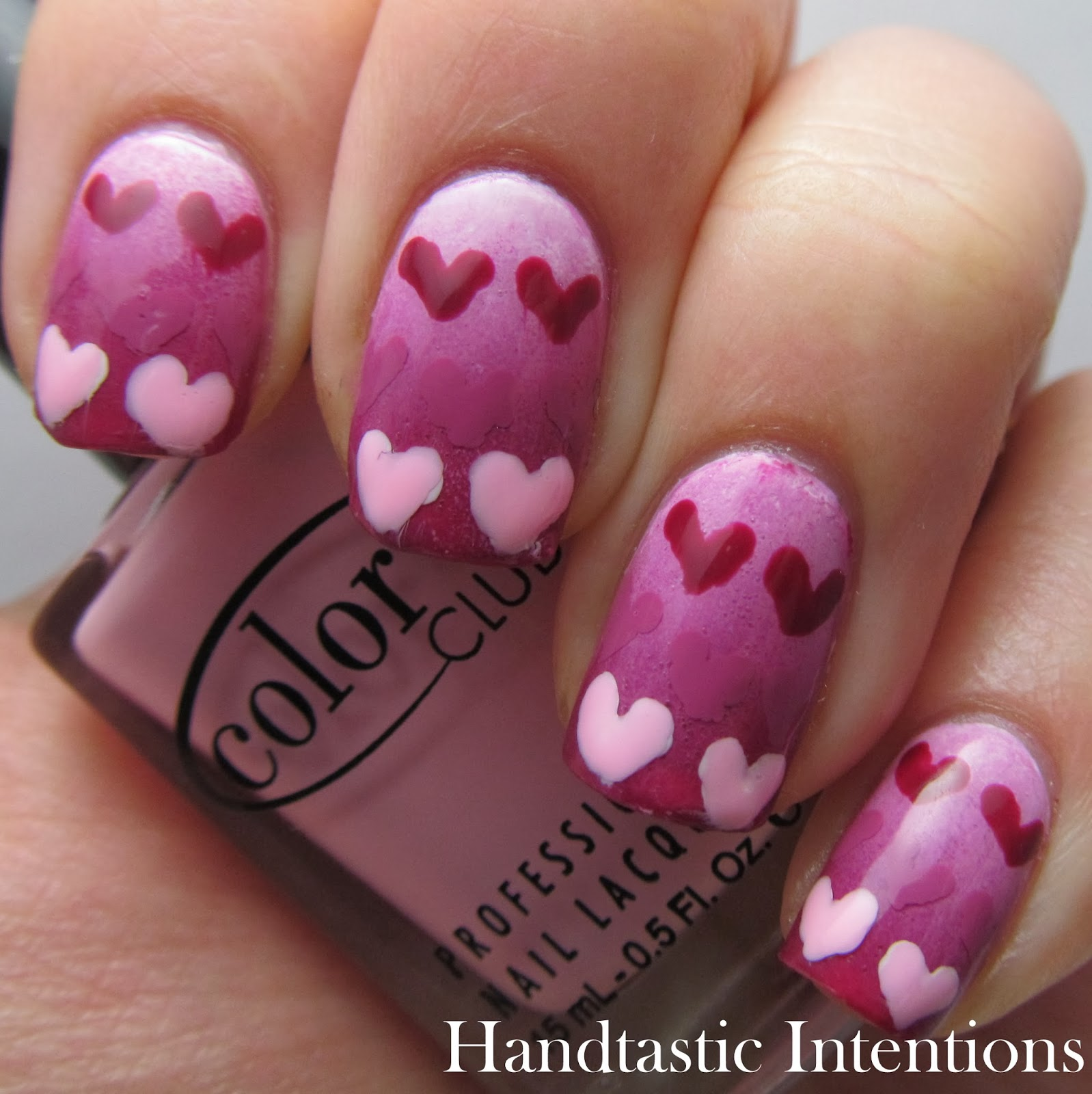 Heart Nail Art: Handtastic Intentions: Nail Art: Gradient Hearts
