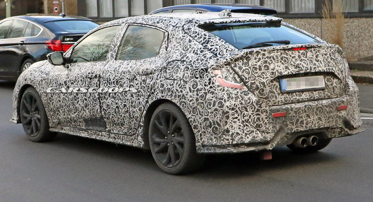 Honda's 2017 Civic Hatch Caught Undercover; Could Be The Si Or Type ...