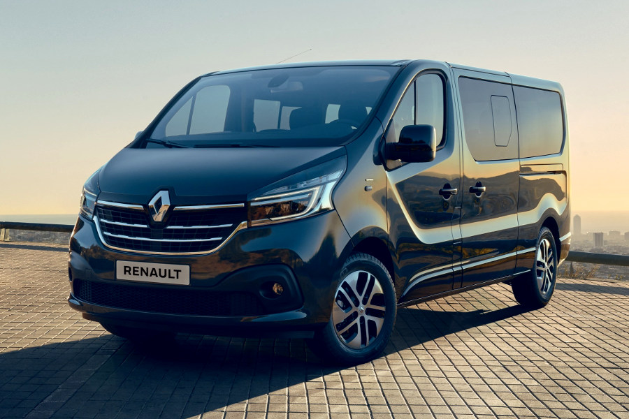 2020 Renault Trafic First View Autoesque
