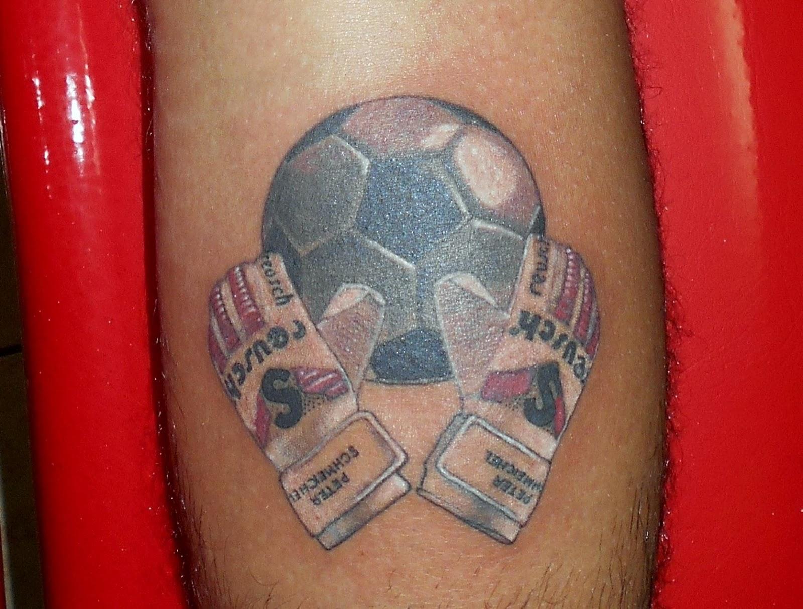 Tatuajes Lfa Tatuaje Guantes Y Pelota De Futbol
