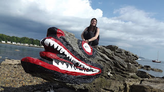 Crocodile rock Millport-ban a tengerparton