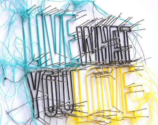 Instalaciones con hilos de Debbie Smyth