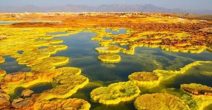 Danakil Çöküntüsü, dünyanın en tehlikeli 15 yeri listesindeki en güzel manzaraya sahiptir.