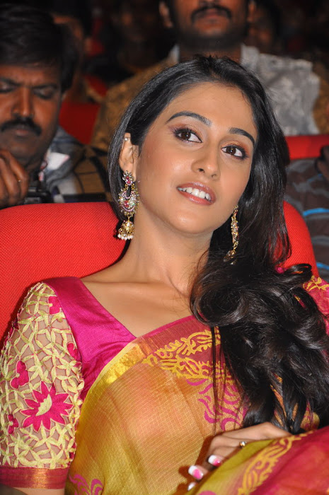 regina at sms movie audio launch, regina latest photos