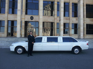 limousine-car-luxury-limo-vehicle-601462/