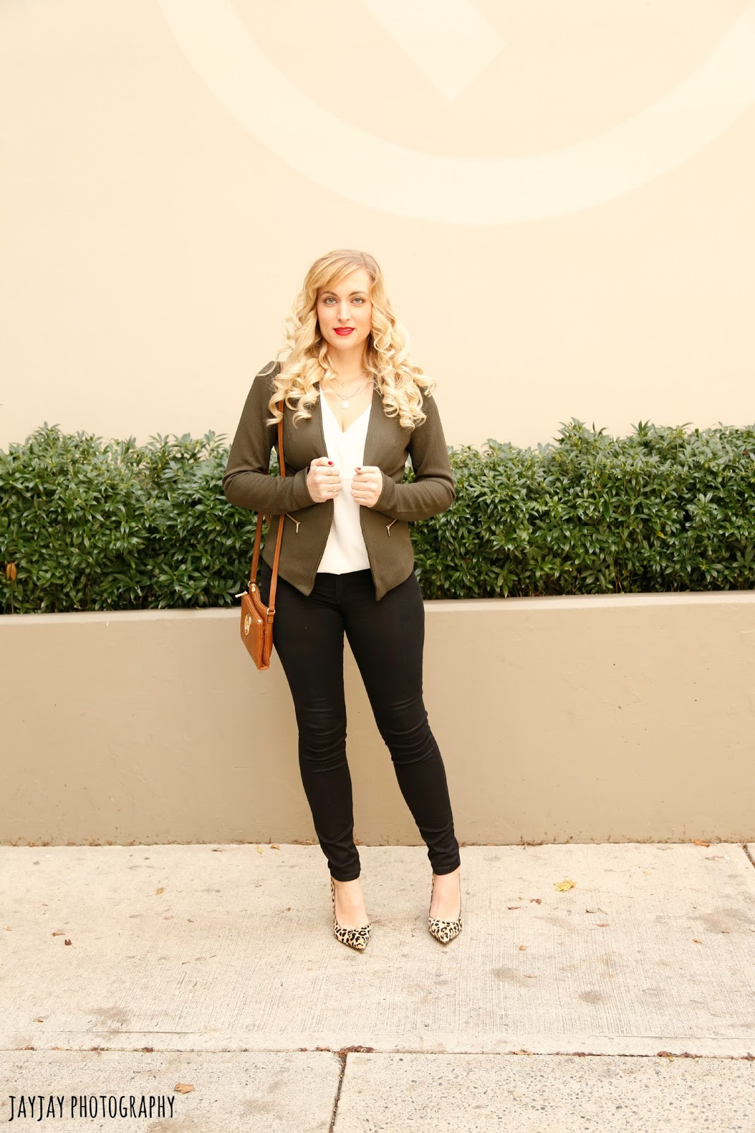 what-to-wear-with-olive-green-outfit