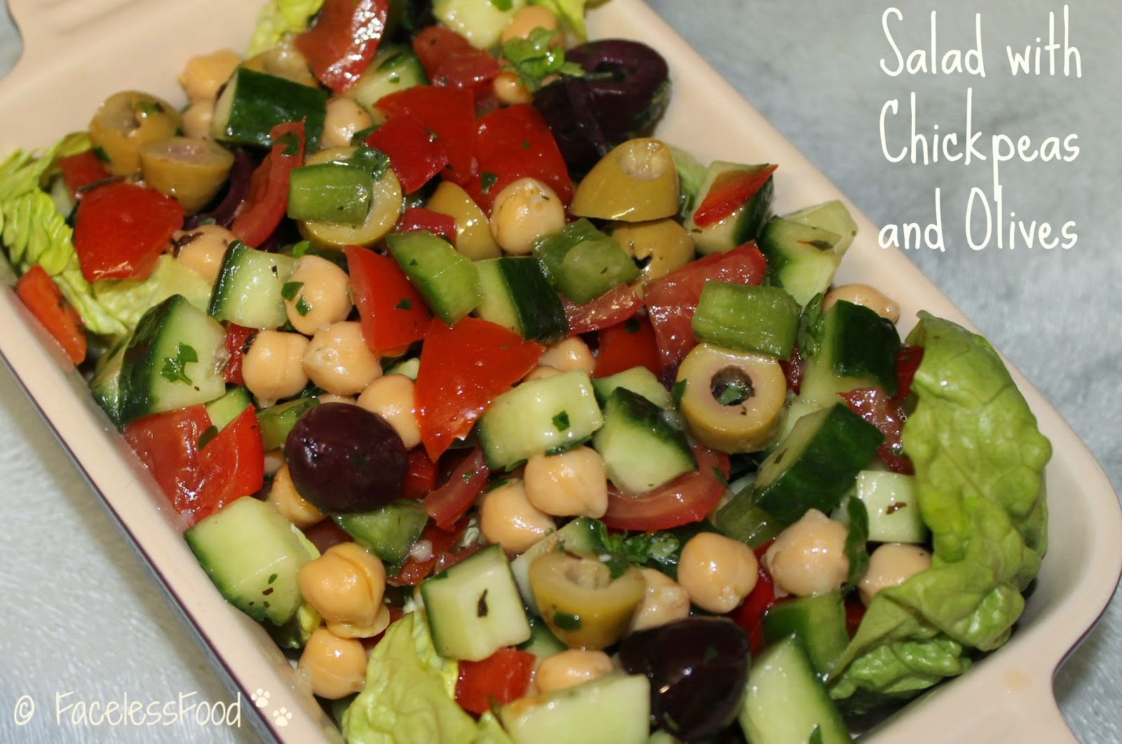 Salad with Chickpeas and Olives