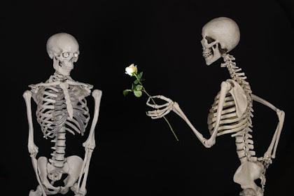 Apa yang harus dilakukan kalau bertemu mantan pacar pasangan?