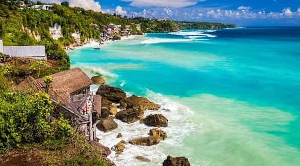 Pantai Nusa Dua tempat wisata di Bali yang harus dikunjungi