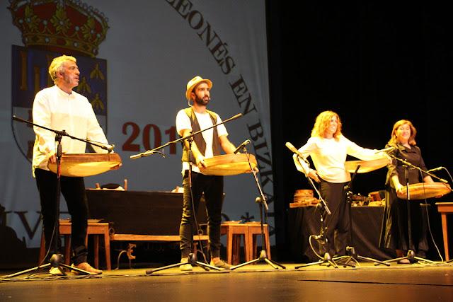 Actuación de Mayalde en el Teatro Barakaldo