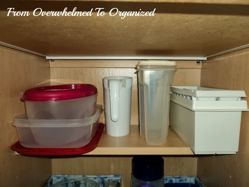 the secret for organizing food storage containers so they stay organized from overwhelmed to. Black Bedroom Furniture Sets. Home Design Ideas
