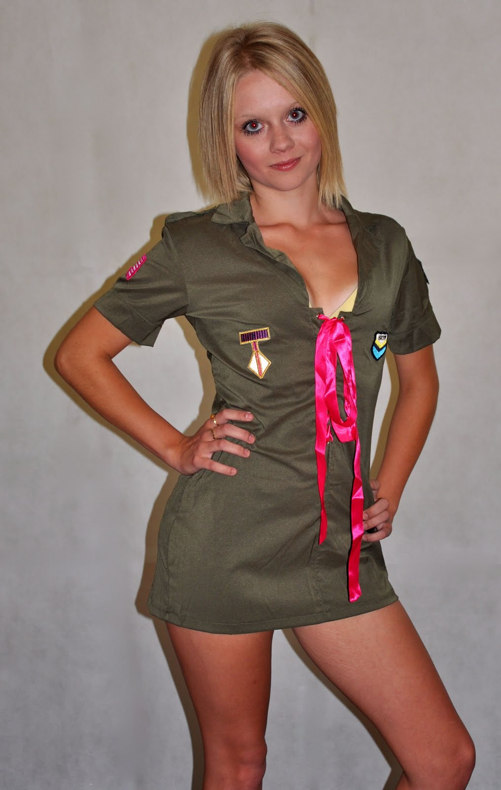 Top Beauty Model Women Army Picture