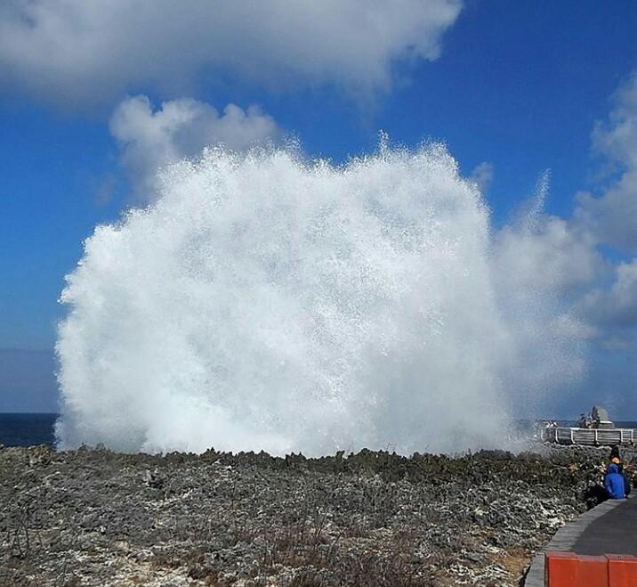 Water Blow Nusa Dua Bali Tempat Wisata Di Bali Yang Indah