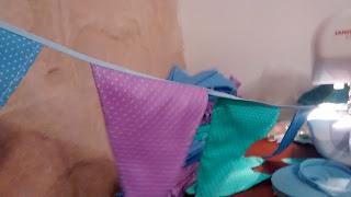 banderines de tela con lunares