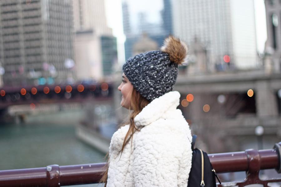 Chicago Travel Tips, Windy City Travel Guide, Travel Blogger, Lifestyle Blogger, College Blogger, Chicago Riverwalk