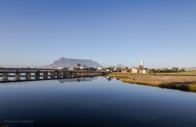 Image: Copyright Vernon Chalmers - Wooden Bridge / Table Mountain: Woodbridge Island, Cape Town