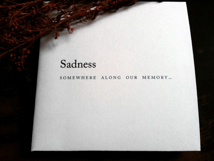 http://distant-voices.blogspot.fr/2012/06/sadness-somewhere-along-our-memory.html