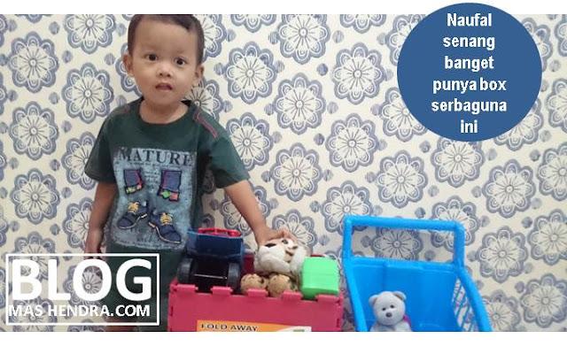 Naufal Senang Dengan Box Serbagunanya - Blog Mas Hendra