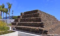 http://www.diariosdeunfotografodeviajes.com/2013/11/piramides-de-guimar-en-tenerife.html