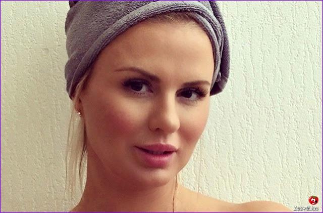 Анна Семенович домашние снимки