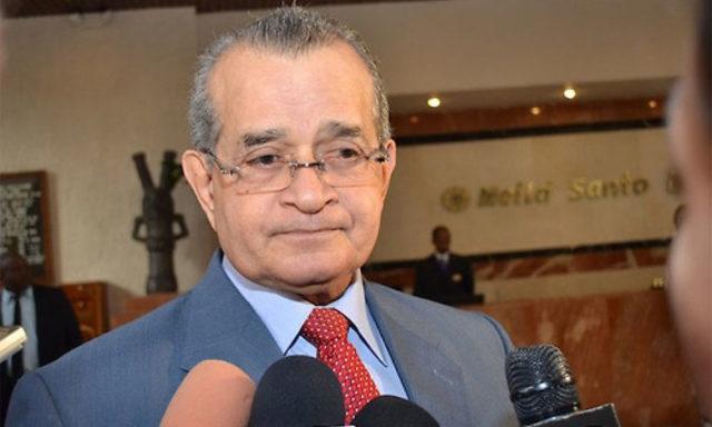 Franklin Almeyda: Danilo debe respetar la Constitución