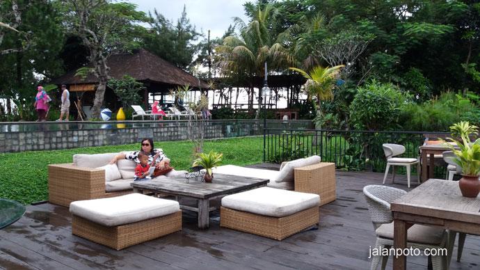 villa keren di sentul yang instagramable