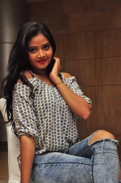 Shreya Vyas (10).jpg