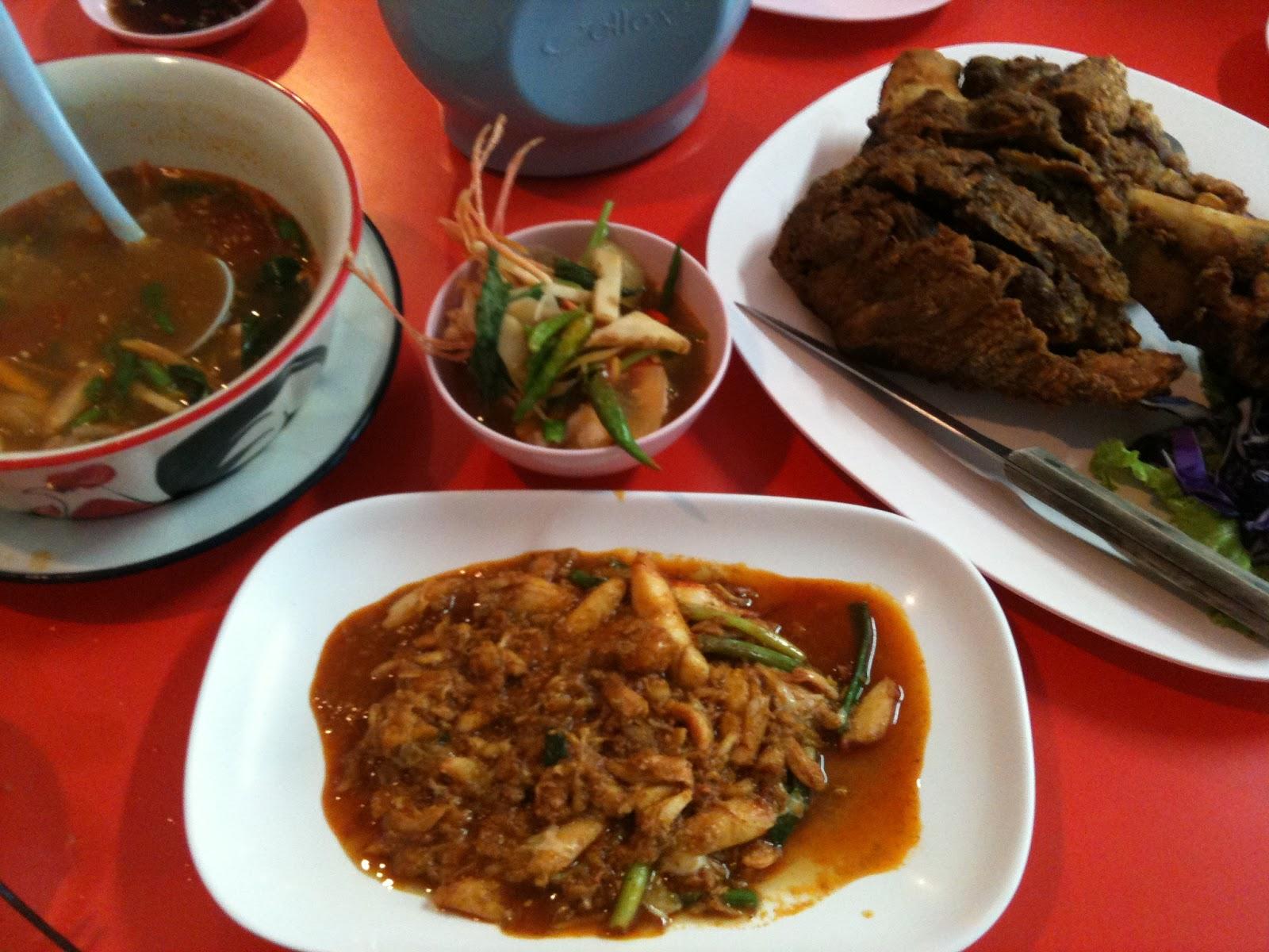 Thai Food 123: Tomyam, Pork Knuckle and Crab Meat at Danok