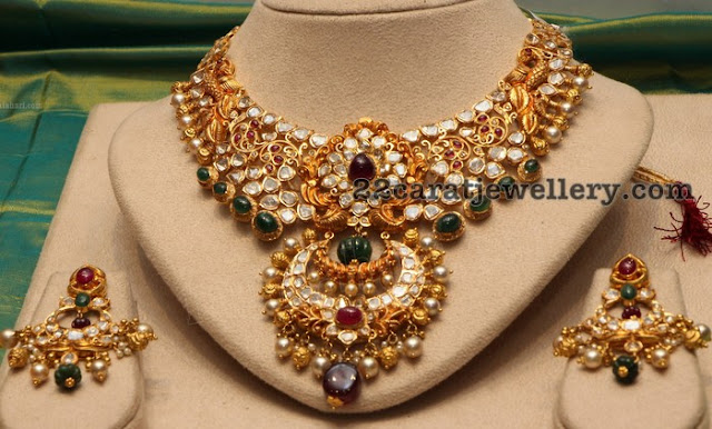 Kundan Pachi Choker with Earrings