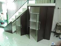 desain lemari bawah tangga rak sepatu