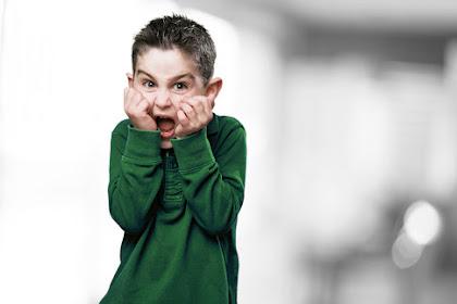 6 Cara Terbaik untuk Menangani Anak yang Penakut