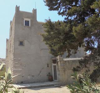 Ο πύργος του Μπελώνια στο Γαλανάδο της Νάξου