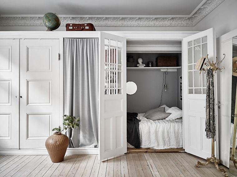 PUNTXET Un hogar luminoso con un dormitorio escondido #decoración #hogar #dormitorios