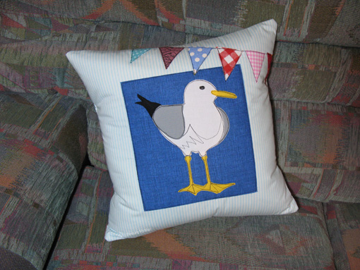 Seagull Cushion ~ Threading My Way