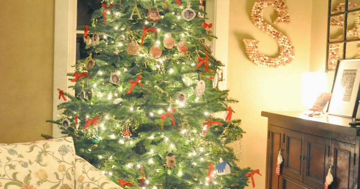 Red Ribbon Christmas Tree