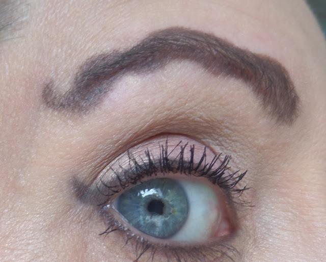 wavy eyebrow